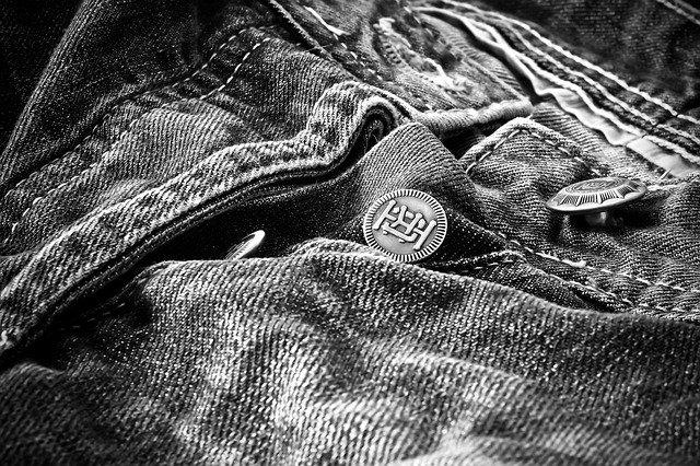 Vieux jean en gros plan, à recycler